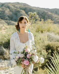 We love the beachy vibes 🏖️ of this bridal look 👰!   Thanks for sharing Brandi Gard Studios ⚡️   Photo: Brandi Gard Studios   Hair and Makeup: Pinned and Proper by Lauren Decosimo Florals: Urban Marigold   Gown: Allison Webb New York from JLM Couture   Headpiece: Happily Ever Borrowed