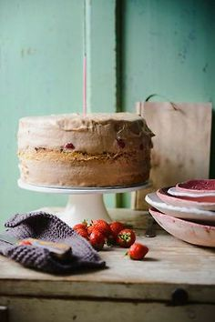 Strawberry cake with chocolate & salted caramel mousse and almond sponge »» Somewhere Over the Kitchen