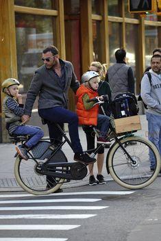 Liev Schreiber Kids in Nutcase Helmets Ray Donovan, Liev Schreiber, Helmets, Baby Strollers, Cycling, Bicycle, Culture, Urban, Tv