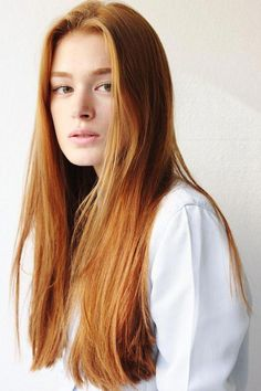 dark auburn balayage hair looks! Beautiful Red Hair, Beautiful Redhead, Auburn Balayage, Balayage Hair, Red Hair Woman, Long Red Hair, Corte Y Color, Auburn Hair, Ginger Hair