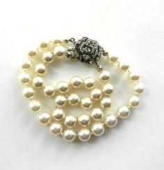 Amazing 2 strands pearls bracelet,  vintage Italian 1960 - beautiful pearls and Rhinestones flower clasp--Wedding's Jewel -- Art.215/3-