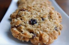 I have had this recipe for years. The cookies are delicious, flaky, because of putting the oats into the food processor. Oats Recipes, Low Carb Recipes, Sweet Recipes, Cookie Recipes, Oatmeal Raisin Cookies, Sweet Breakfast, Cooking Light, Sin Gluten, Food Processor Recipes