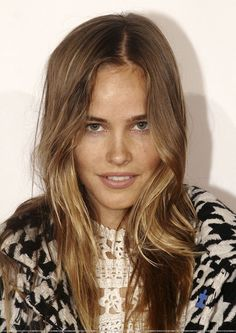.. isabel lucas .. love the hair color!