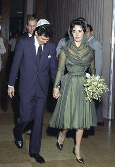 Elizabeth Taylor and Eddie Fisher at their wedding in 1959.