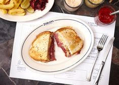Choose to eat in or take away at Zobler's New York style deli. Located within The Ned in the City of London. Bottomless Mimosa Brunch, London Eats, Sandwich Fillings, New York Style, Lunches And Dinners, Deli, Healthy Recipes, Healthy Food, Dining