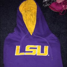 Lsu sweatshirt Youth large LSU sweatshirt very good condition only worn a few times price is negotiable Stadium athletics  Jackets & Coats