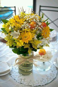 Vaso com flores naturais, artesanato...pura arte!!!
