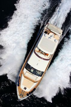 From helipads to onboard spas, these top 3 luxury yachts interiors of billionaires demand attention. Luxury Yacht Interior, Luxury Yachts For Sale, Yacht For Sale, Luxury Cars, Yacht Design, Boat Design, Best Pontoon Boats, Luxury Private Jets, Private Yacht