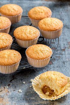 Cupcake recepten Sweet Desserts, Sweet Recipes, Mini Cupcakes, Cupcake Cakes, Baking Recipes, Cake Recipes, Cupcake Toppings, Cake Factory, Pie Cake