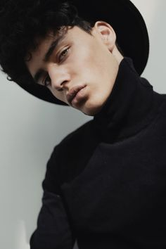 Younes Kahlaoui by Alizee Omaly
