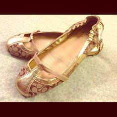 COACH FLATS Metallic Coach flats with signature Coach C's in great condition Coach Shoes Flats & Loafers