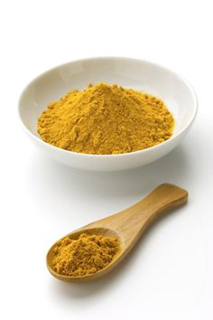 When considering cholesterol lowering foods, don't forget the health benefits of turmeric. It has been shown that turmeric lowers cholesterol. This article will tell you how to lower cholesterol naturally with turmeric, info on turmeric, and foods to eat to lower cholesterol.