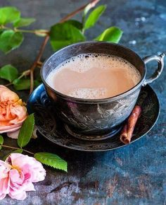 Expert suggestions and guidelines for enjoying a better cup of tea. Love the colours of this image. Though for me a perfect cup of tea is definitely without milk. Coffee Time, Tea Time, Morning Coffe, Coffee Club, Coffee Coffee, Perfect Cup Of Tea, Cuppa Tea, Tea Art, How To Make Tea