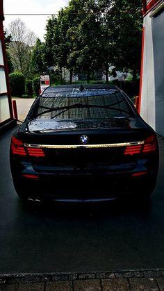 BMW 7series F01 Black & Gold