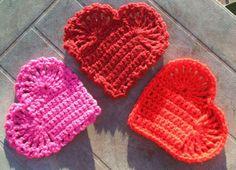 Lavori all'uncinetto e a maglia per San Valentino - Sottopentole a forma di cuore