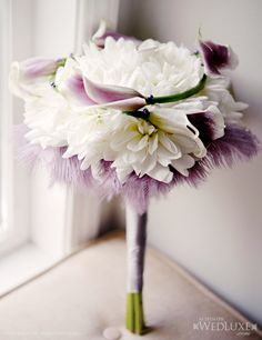 Keep feathers, add roses and a few broaches for bridesmaids! White Wedding Bouquets, Bride Bouquets, Bridesmaid Bouquet, Purple Wedding, Floral Wedding, Wedding Flowers, Luxury Wedding, Dream Wedding, Gatsby Wedding