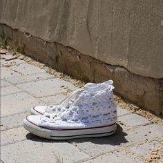 Häkel dir deine Chucks fit für den Sommer! Anleitung für eine Häkelfläche zu deinen Converse Chucks