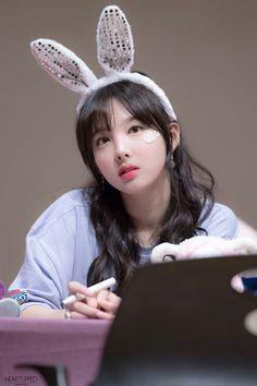 twice and nayeon image K Pop, Kpop Girl Groups, Korean Girl Groups, Kpop Girls, Sana Cute, Warner Music, Sana Momo, Chaeyoung Twice, Twice Once