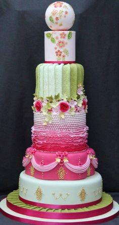 www.cakecoachonline.com - sharing...Very unique wedding cake