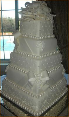 beautiful wedding cakes I decorated this while working for a local bakey. Copied from a picture in a magazine that the bride brought in. Best Picture For wedding cakes winter For Your Bling Wedding Cakes, Fondant Wedding Cakes, White Wedding Cakes, Elegant Wedding Cakes, Elegant Cakes, Wedding Cake Designs, Trendy Wedding, Cake Wedding, Wedding Ideas