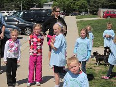 2nd graders at the starting line...