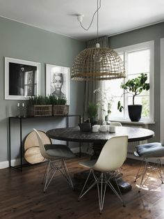 matplats_lampa-700x93Classy home with character - via cocolapinedesign.com