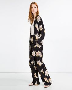 Pin for Later: How to Style Your Way to the Ultimate Road Trip Outfit  Zara Jacquard Print Kimono ($40)