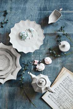 Lotus dinnerware from anthropologie i heart this set kitchen estella dinner plate junglespirit Choice Image