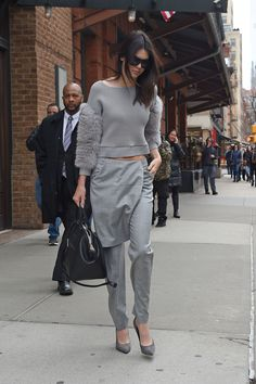 45 Super-Cute Outfit Ideas From Kendall and Kylie Jenner  - Seventeen.com