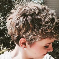 20 curly short hair pictures for pretty ladies - Frisuren - Hair Styles Short Curly Pixie, Curly Pixie Hairstyles, Short Layered Haircuts, Hairstyles Haircuts, Short Hair Cuts, Braid Hairstyles, Trendy Haircuts, Layered Hairstyles, Hairstyle Ideas