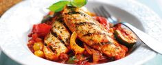 Our range of Quorn recipes are perfect for vegetarians & anyone looking for a healthier, meat free and low-fat alternative to the classic favourite dishes. Chicken Spinach Recipes, Quorn Recipes, Veggie Recipes, Cooking Recipes, Quorn Meals, Quick Easy Dinner, Quick Easy Meals, Easy Dinner Recipes, Healthy Muffin Recipes