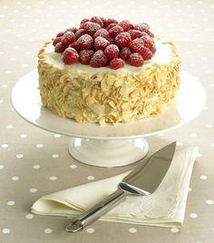 Mandlový piškotový dort s malinami, Foto: isifa.com