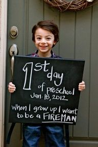 Cute idea for the 1st day of school.  You can make this a tradition each year.  It  would be neat to see how not only their appearance changes, but also what they want to be when they grow up!