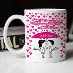 Sevgilinize duygularınızı ifade etmekte kullanabileceğiniz devamında da sevgilinizin her zaman büyük bir mutlulukla içinden çayını yudumlayacağı size özel bir kupa bardak yapmamızı ister misiniz?