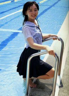 Schoolgirl takes a dip in uniform in the pool to cool off School Girl Japan, School Girl Outfit, School Uniform Girls, Girls Uniforms, High School Girls, School Uniforms, Cute Asian Girls, Cute Girls, Girl In Water