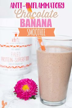 Chocolate banana smoothie is anti-inflammatory, paleo, dairy-free and perfect post-workout. This protein smoothie is great for weight loss and breakfast. Chocolate Protein Smoothie, Protein Smoothies, Apple Smoothies, Good Smoothies, Detox Smoothies, Green Smoothies, Fitness Smoothies, Post Workout Smoothie, Ninja Smoothie Recipes