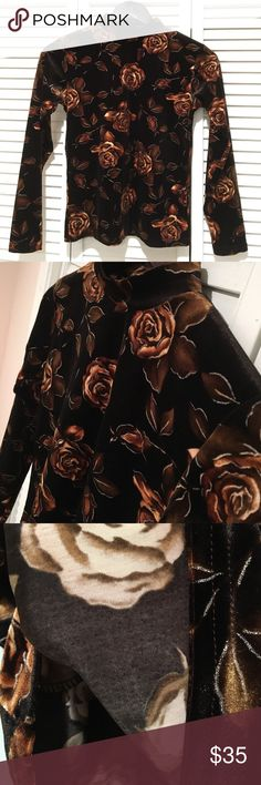"""Black floral velvet long sleeve top NWOT Black floral velvet long sleeve top. Bust 32"""". Waist 30"""". Length 21"""". Comes from a smoke free and pet free home. Brand is not Topshop, just listed for similar style reference. Bought from Bloomingdales. Topshop Tops Tees - Long Sleeve"""
