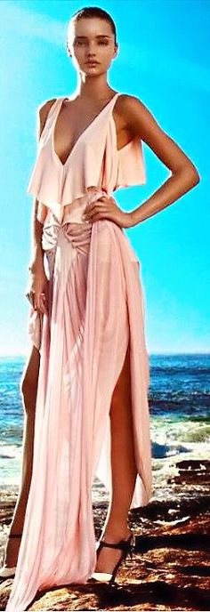 Miranda Kerr in Yves St Laurent pink gown️PM Fashion Images, Look Fashion, Fashion Beauty, Womens Fashion, Fashion Design, Fashion Clothes, Classy Fashion, Fashion Models, Latest Fashion
