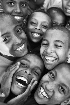 Ideas Happy Children Photography Laughter Life For 2019 Child Smile, Child Day, Beautiful Smile, Beautiful Children, Smile Face, Make You Smile, Concours Photo, We Are The World, Smiles And Laughs