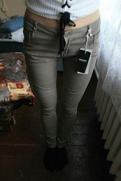 Szare spodnie :)