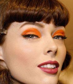 Ombretto arancio make up occhi azzurri