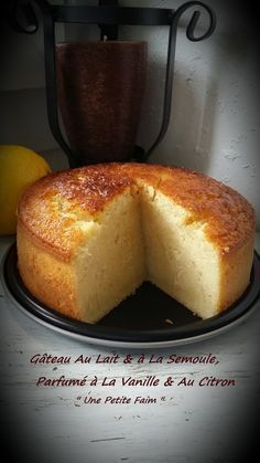 Milk & semolina cake, vanilla & lemon fragrant - Easy And Healthy Recipes Sweet Recipes, Cake Recipes, Dessert Recipes, Semolina Cake, Köstliche Desserts, Food Cakes, Bakery, Food And Drink, Cooking Recipes