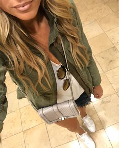 13 Spring Outfits for Vegas Spring Outfits Women, Spring Fashion Outfits, Las Vegas Outfit, Outfits For Vegas, Vacation Outfits, Cute Casual Outfits, Short Outfits, Running Errands Outfit, Shoes For Leggings