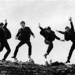 A través de un reportaje de la BBC, se dio a conocer que en Reino Unido serán subastadas algunas fotografías, a color, inéditas de Los Beatles. Las fotografías fueron tomadas por el Dr. Robert Beck durante una conferencia de prensa ofrecida por el cuarteto de Liverpool en el Sahara Hotel de Las Vegas.   …