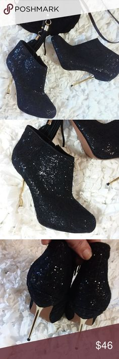 "NWOT! Wild Pair black ankle booties Stunning booties with sparkling lace & glitter. Gold stiletto heel measuring 5"" from base off heel and 4"" from underneath. Get these beauties for that special night out😍 Wild Pair Shoes Ankle Boots & Booties"