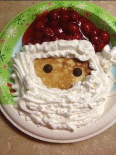 santa pancakes-easy idea for Christmas breakfast! Christmas Deserts, Christmas Breakfast, Breakfast For Kids, Christmas Treats, Christmas Morning, Santa Pancakes, Pancakes Easy, Holiday Baking, Christmas Baking