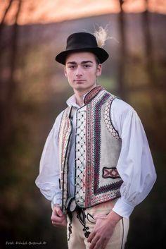 Folk, Polish, Hats, Fashion, Moda, Vitreous Enamel, Popular, Hat, Fashion Styles