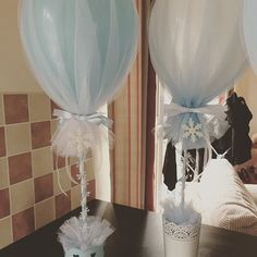 #frozen #party #tulleballoons #blue #snowflake Tulle Balloons, Balloon Arch, Wedding Balloon Decorations, Birthday Decorations, Wedding Table, Diy Wedding, Baby Shower Invitaciones, Cold Shower, Baby Birthday