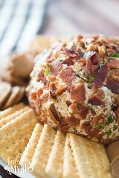 This Savory Bacon Cheese Ball recipe is great for dressy occasions like a cocktail buffet or any holiday gathering. Potluck Recipes, Crockpot Recipes, Breakfast Recipes, Snack Recipes, Easy Recipes, Snacks, Family Fresh Meals, Easy Family Meals, Quick Easy Meals