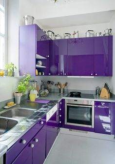 Purple kitchen interior design and decor inspiration Purple Kitchen Designs, Kitchen Room Design, Modern Kitchen Design, Home Decor Kitchen, Interior Design Kitchen, Home Design, Kitchen Contemporary, Design Ideas, Kitchen Rustic